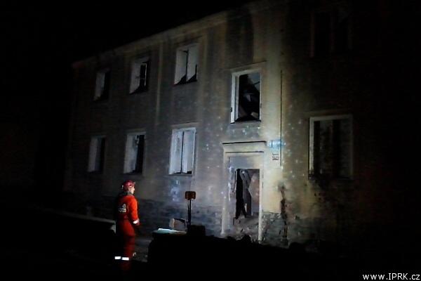 Noční výcvik kynologů IZS v sutinách nedaleko Litvínova