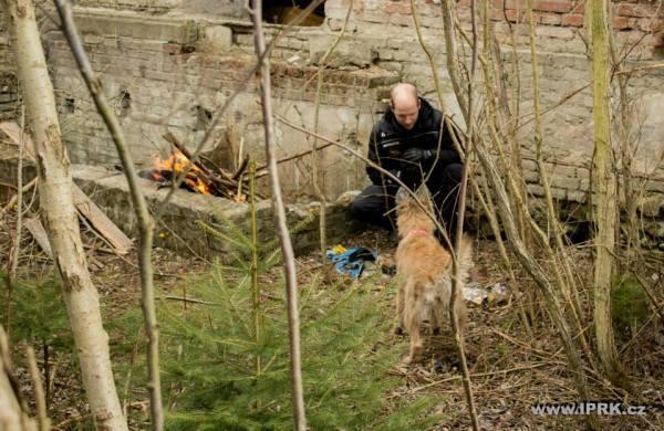 Výcvik záchranařiny v IPRK - vyhledávání v terénu s otevřeným ohněm
